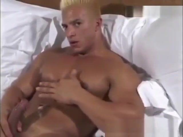 Latin bodybuilder jerkoff Pussy up that girls skirt