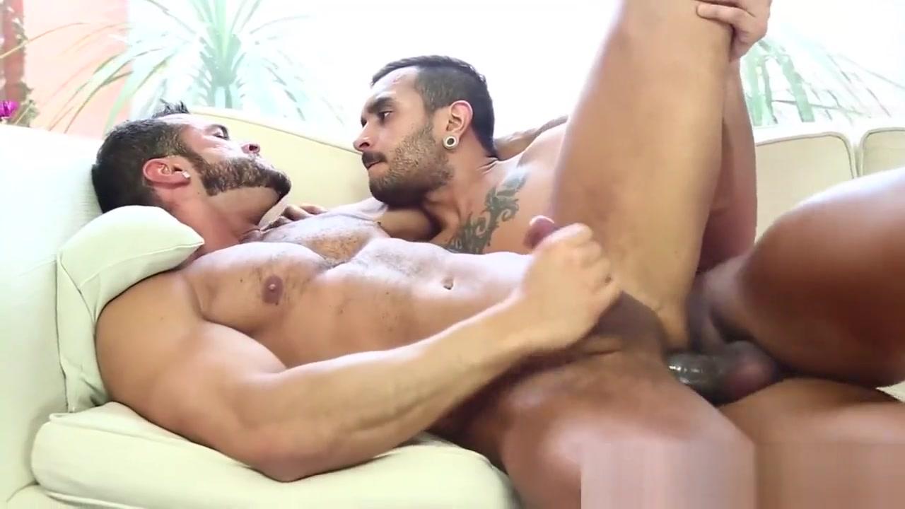 Denis Vega and Lucio Saints Full hd close up vagina gif