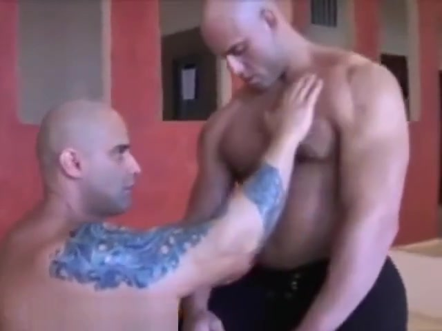 Peter and Roger Danik - Muscle worship so fucking hot Ma Lope Me Suce Et Avale