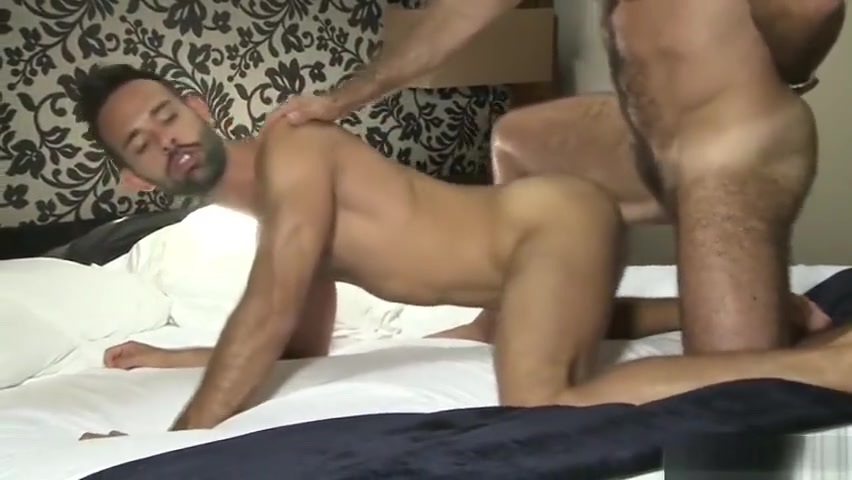 Latin bear casting couch with cumshot Mature Cock Sites