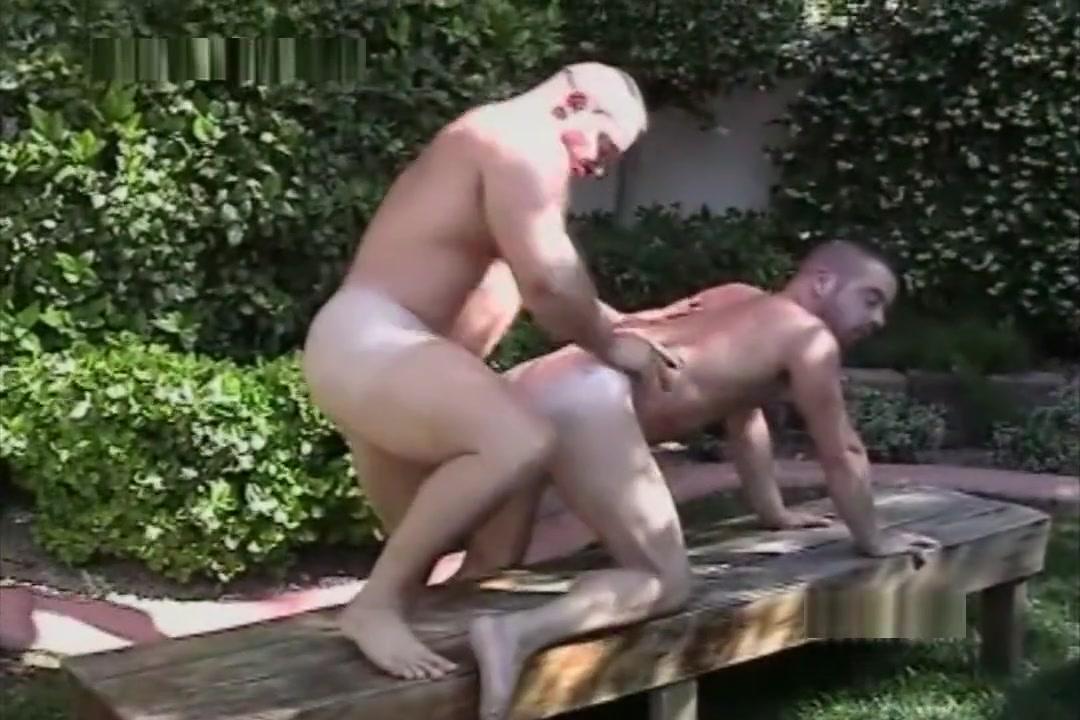 Beefy bears backdoor backyard fun Apostle hentai gallery