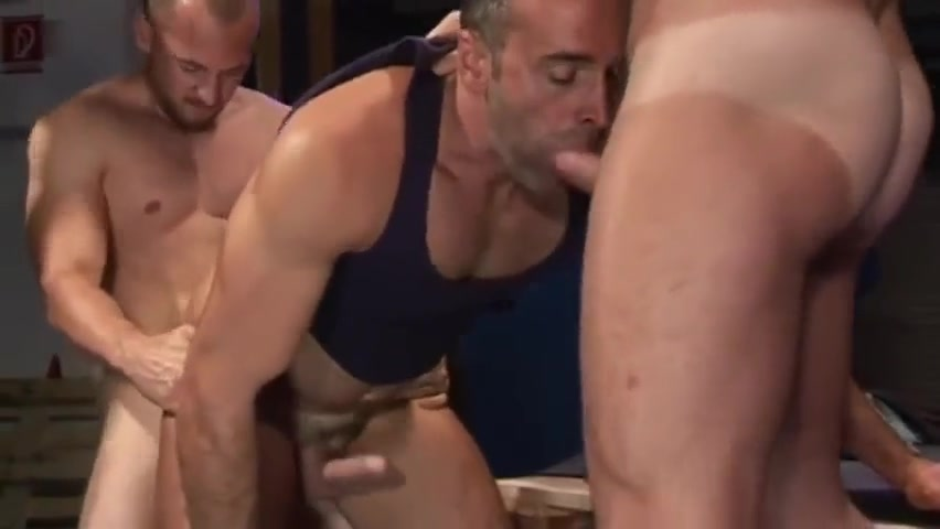 Cazzo hunks Alen's Big Feet Gets Tickled