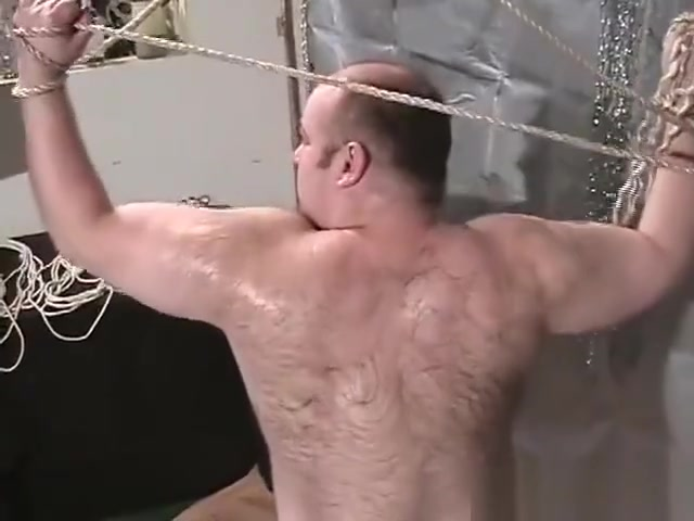 Beefy Bear Oil Rubdown videos de virgenes teniendo sexo