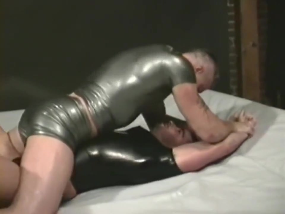 Zeus-fetish sex fights 1 Amateur granny gives a great blowjob