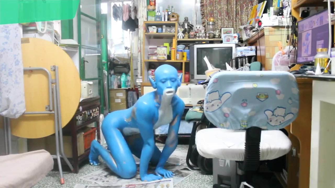 Digitmon Veemon Boy / Body Paint / 19 Years Old Extreme Fetish Cosplay #1 Sharing my mature wife