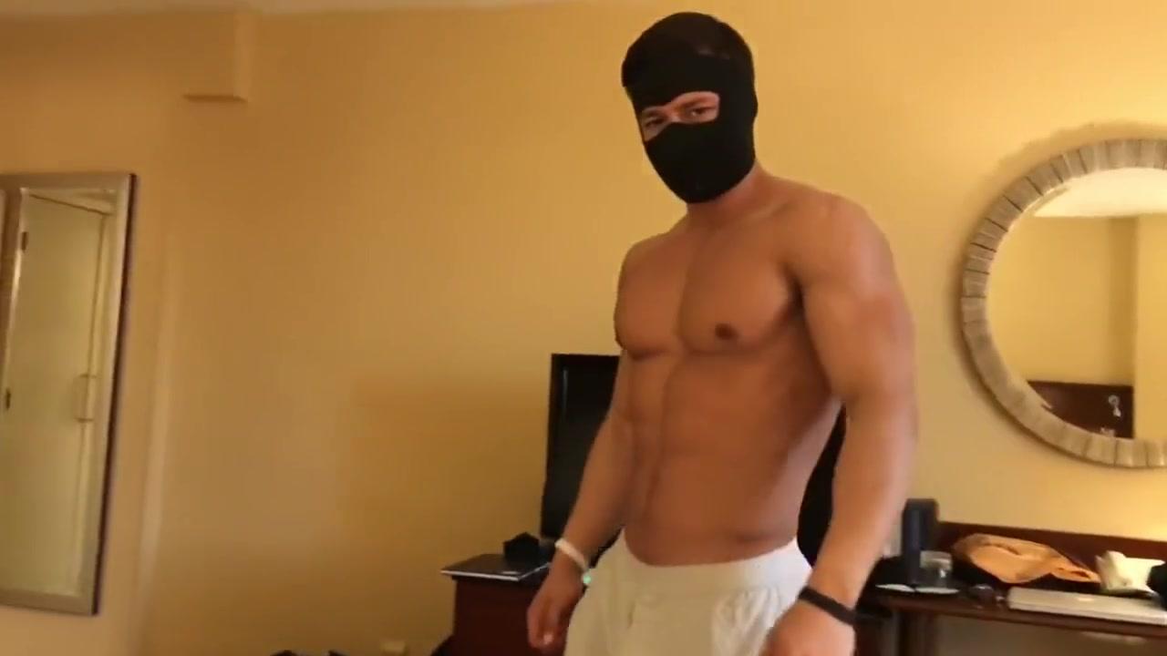 Alpha flexes and tease straight guy Cctvsex Massage