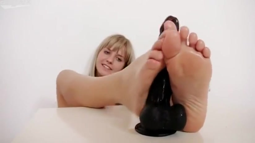 FeetLuv Bella Anne Michelle getting fucked in her rabbit hole