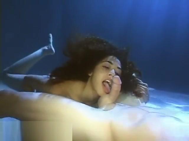 mimi allen - underwater 1