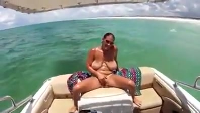 Big saggy boobs mature milf on boat family taboo free porn videos