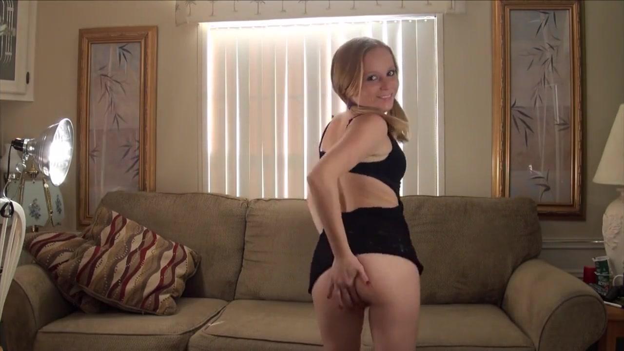 Crystal Rollen - Beautiful striptease.