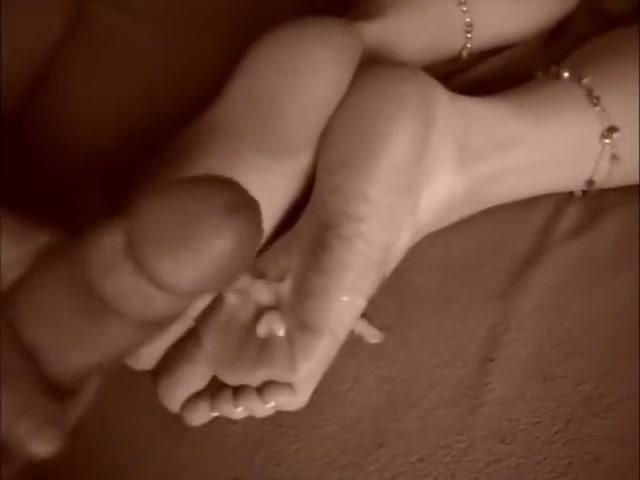 girl masturbate cum on feet foto sexy michael unzicher