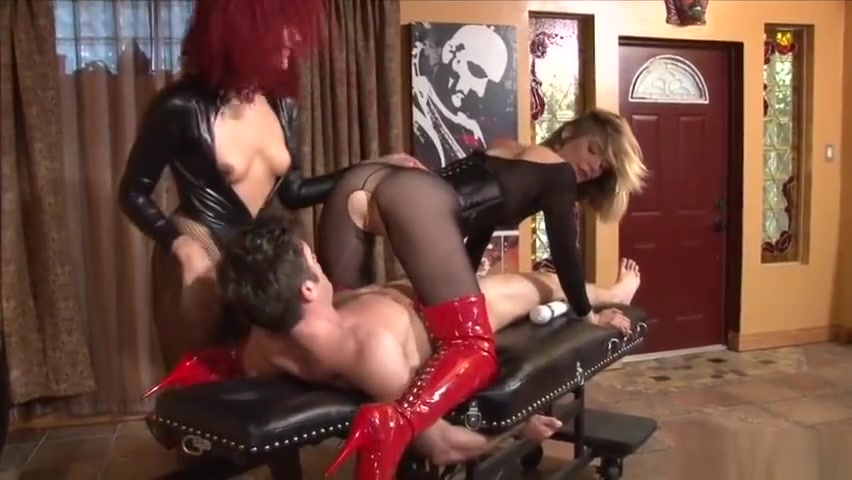 Sweet Femdom - Breaking in a new Toy Perfect tits ressit