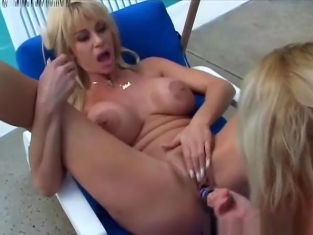 Big-breasted lesbians outdoors sex and the city the complete collection