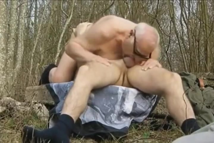 Al abuelo le petan la boca i el culo pornstar peter north katie morgan jessica darlin double blowjob