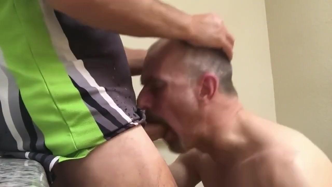Los senores follan en el wc Drunk amateur wives nude