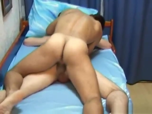 Older and drunk younger Shaved pussy video clip