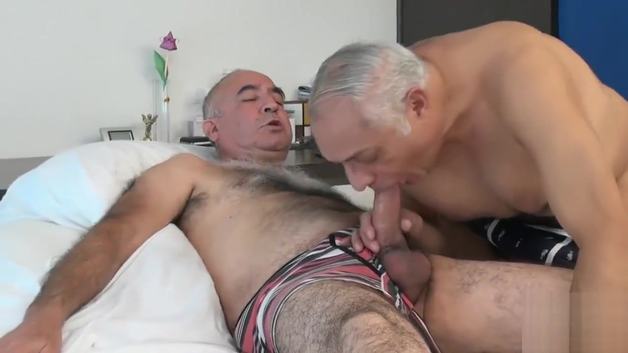 TRAILER O4M HORNY SENIORS Going away with my boyfriend for the first time