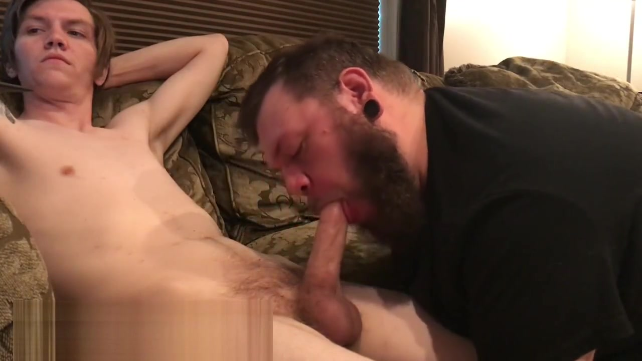 Z1 STRAIGHT DUDE LETS DADDY BEAR SUCK HIM OFF black dick on white pussy