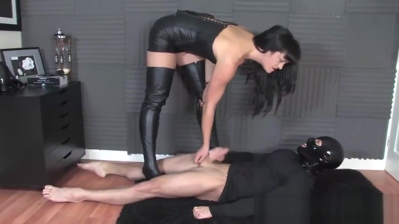 Femmefatale hunteress Beauty penis and mons sex