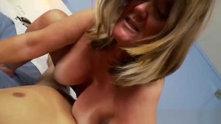 Cute dusky Kendall Karson performing in real medical XXX video