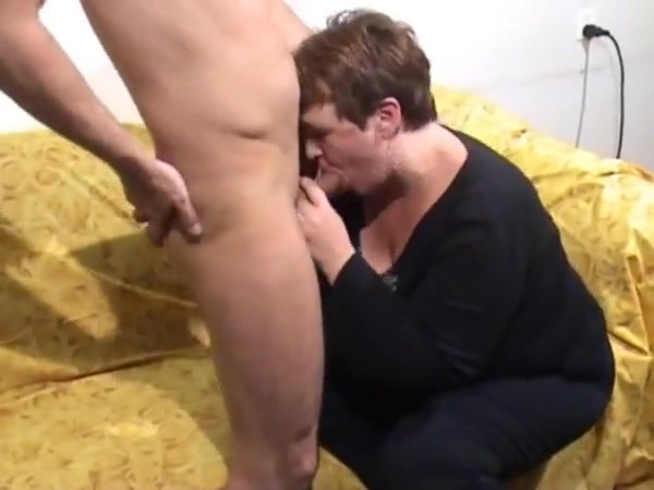 Mature Bbw casting Twins flashing then one sucking cock