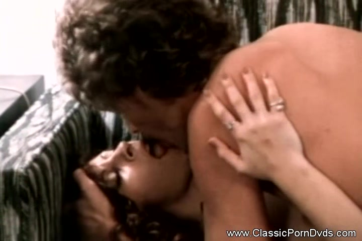 Seventies Vintage Porn With MILF Ariana Jolie Hardcore Fucking