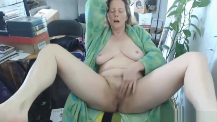 Goddess Kring Masturbating On Web Cam Toon toddler pics nude