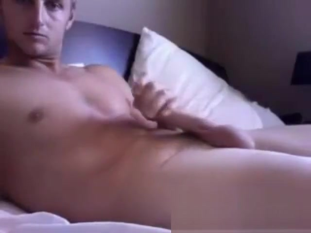 Hot Aussie jerking on cam pussy taking big cock