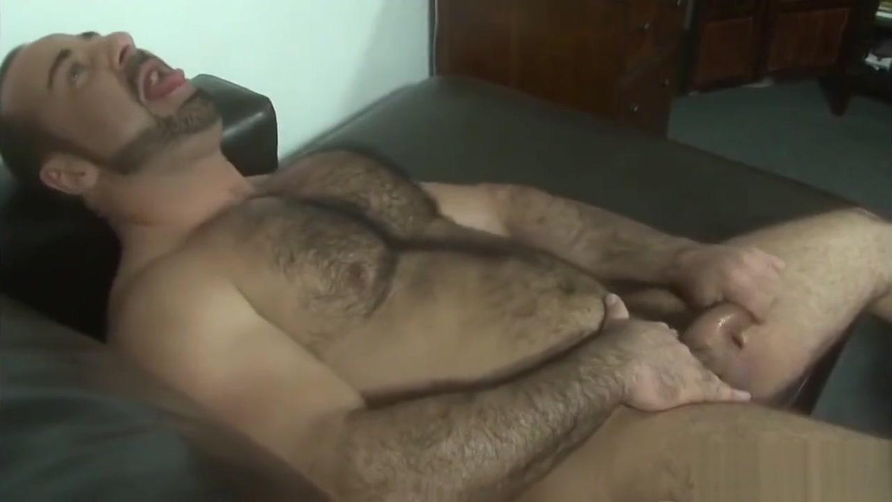 Strong muscular bear daddy Filpina Squirt
