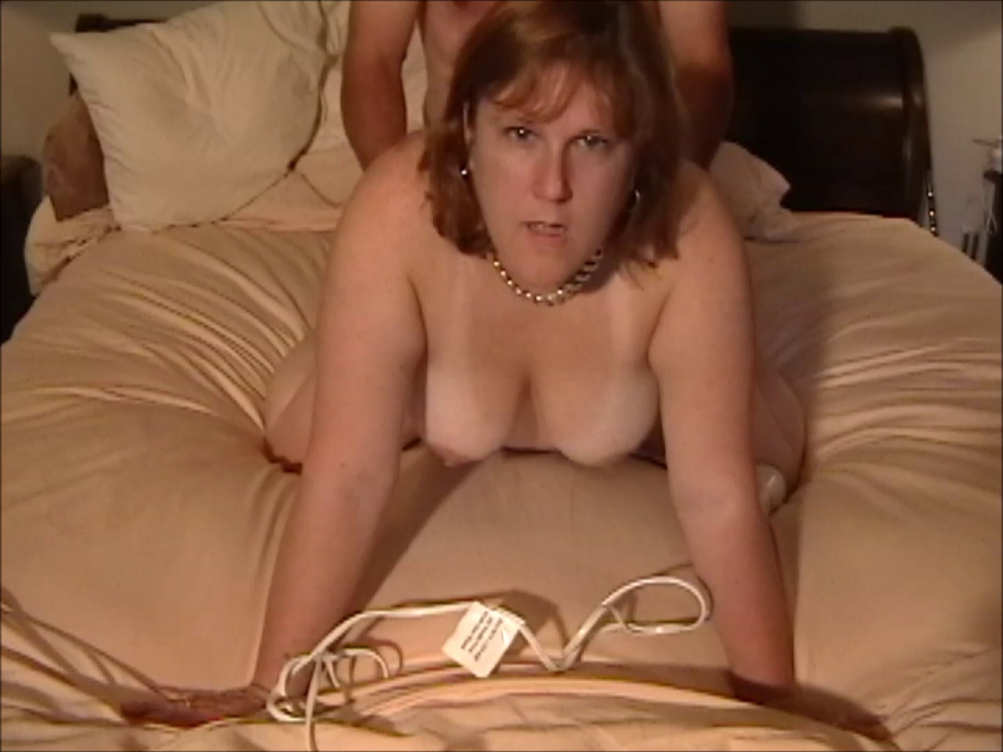Leanne Arbuckle on all fours Oh how i love you song