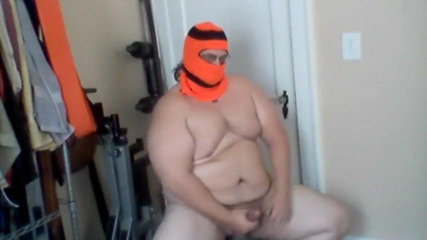Muscular Chub in Ski Gear Strips and Jacks Babes licks ebony les