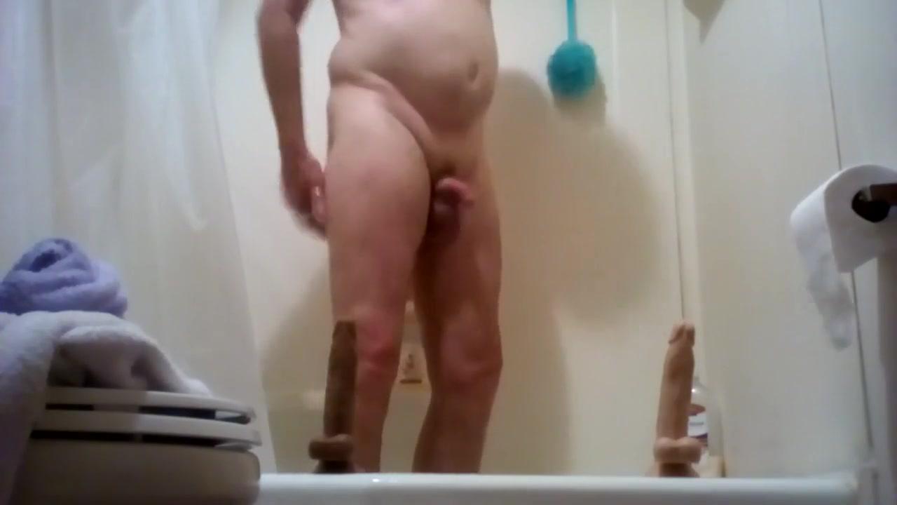 cherryrosebud in the shower Singlerejser nytarsaften