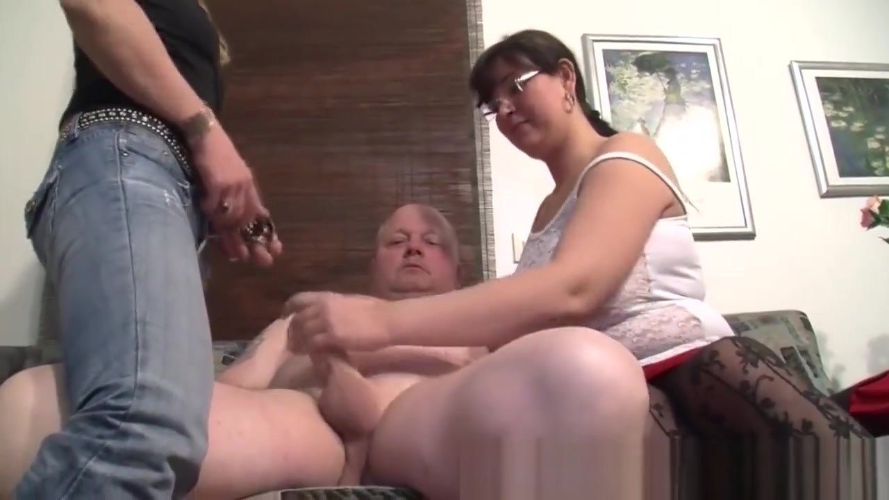 One Bloke Shags With Two Horny Bbws Matures 3way