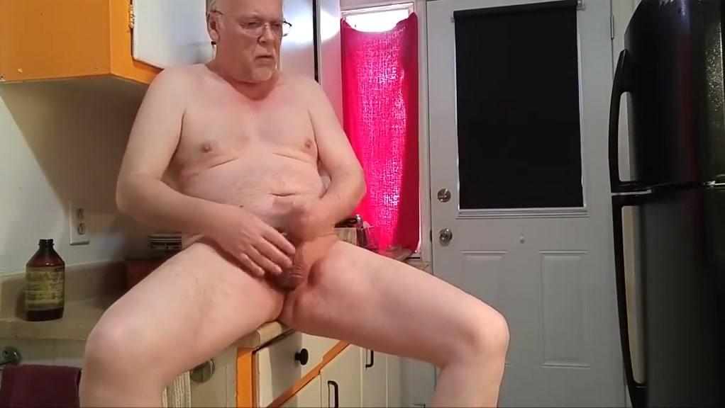 Une bonne branlette bien juteuse Naked pussy xxx