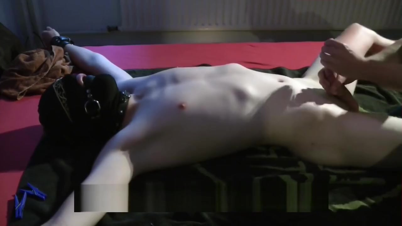 Big Dick Twink gets edged and milked with handjob and venus 2000 horny brunett get fisted