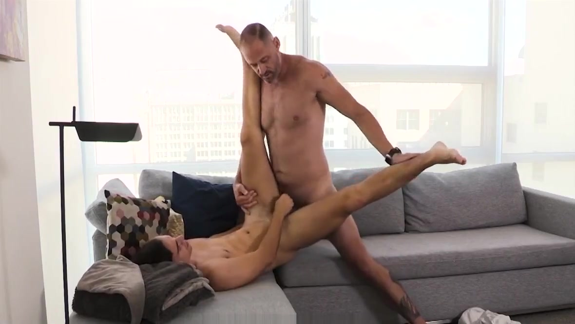 FamilyDick - Daddy Has Fun On Couch Uk pussy gaping porn gif