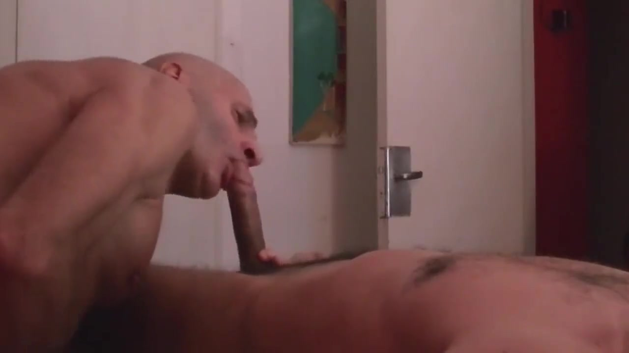 MASAJISTA GARGANTA PROFUNDA EN BUENOS AIRES Amateur camgirl masturbating and squirting on webcam
