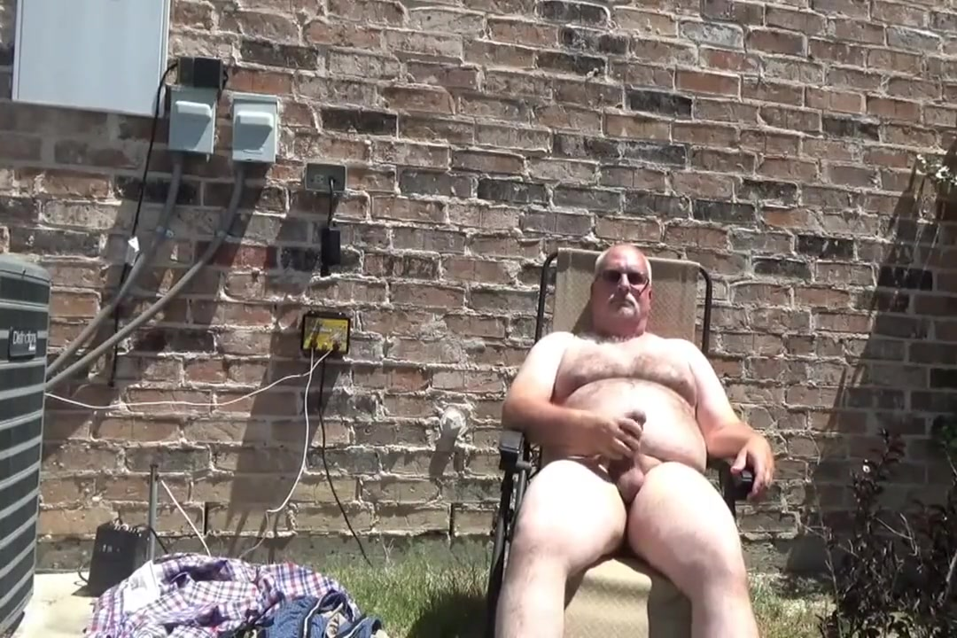 Outdoor Jacking July 2018 Woman hanged naked pees
