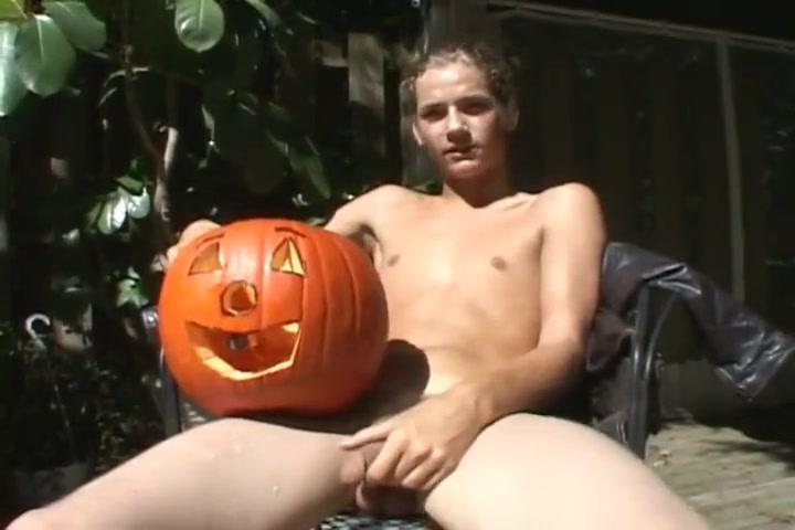 BukBuddies - Pumpkinizer - Richie - 20min Close upi pics of vulvas