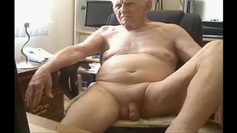 grandpa exhibit women naked having sex together