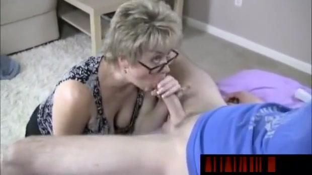 BLonde MILF help guy with orgasm Jenifr lawrence sexy boobs
