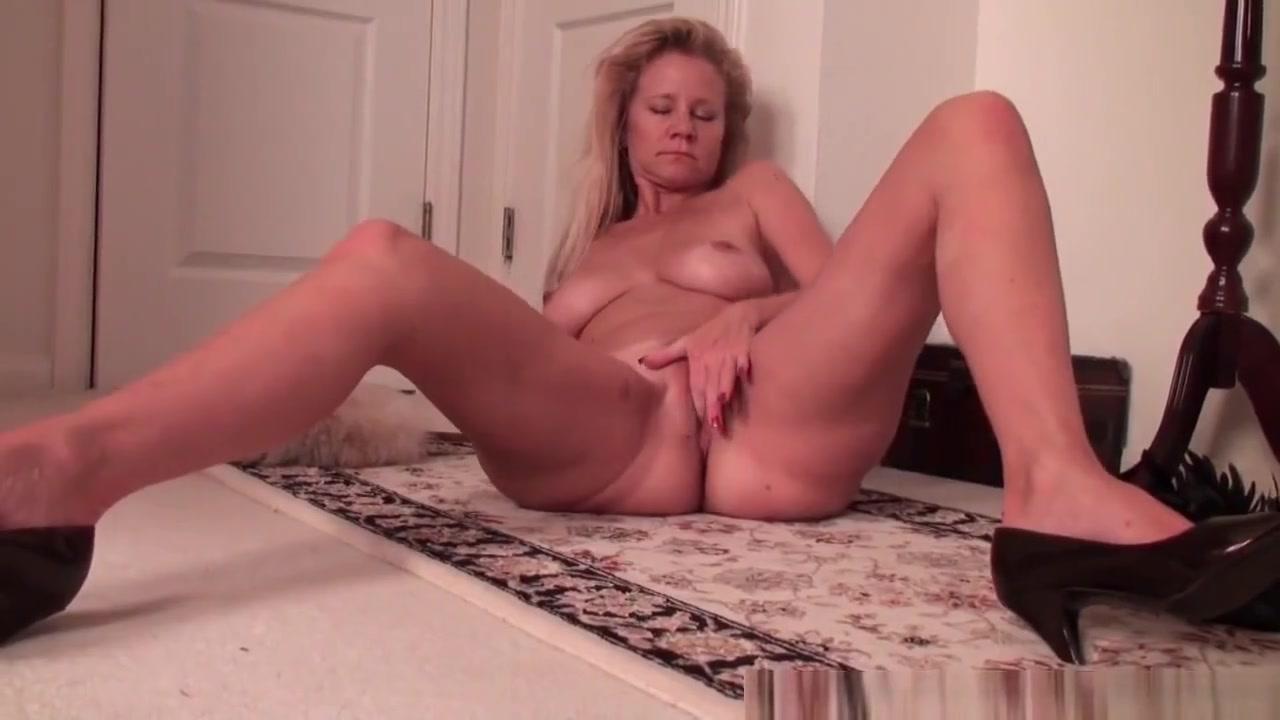 Busty soccer mom needs a masturbation break from housework Natural huge boobs neighbor fucks in sandals