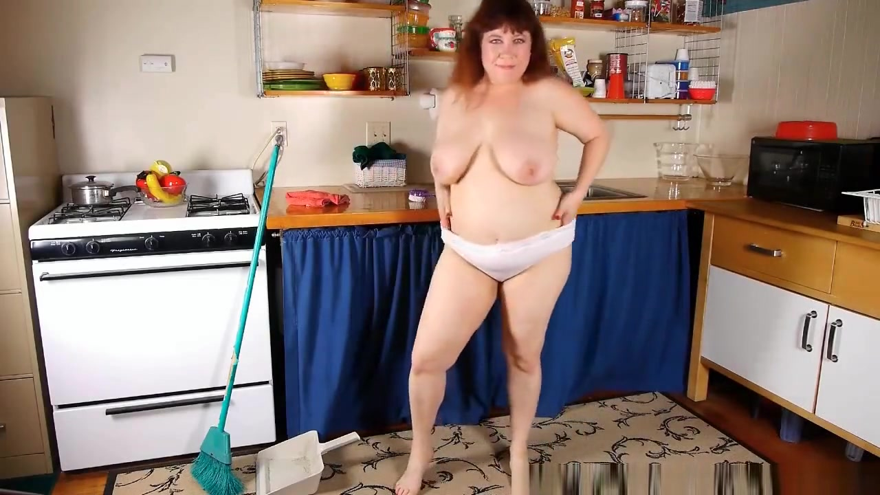 Chubby mom in pantyhose rubs pussy with dish brush Awesome mobile porn