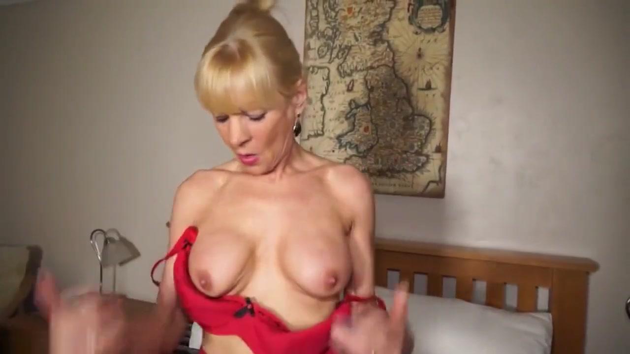 Europe Mature - Elaine Chubbie cock ring