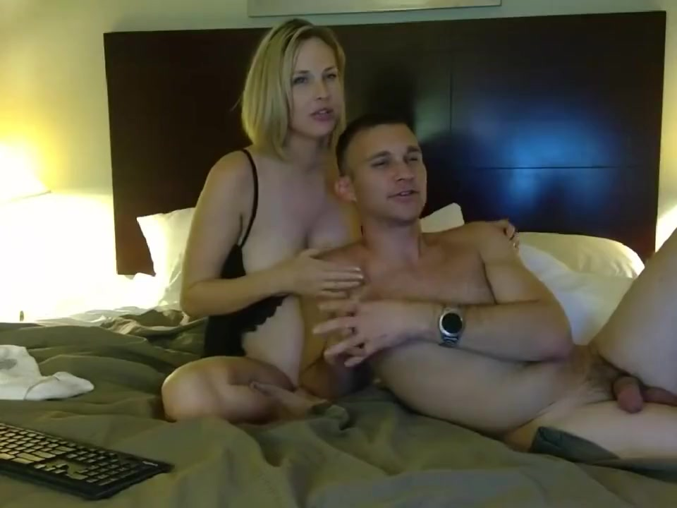 Hot Threesome with cute Blonde (Camshow)