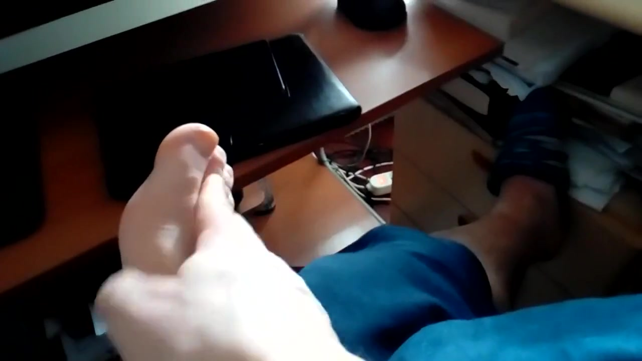 Kocalos - Feet Amateur milf swallow