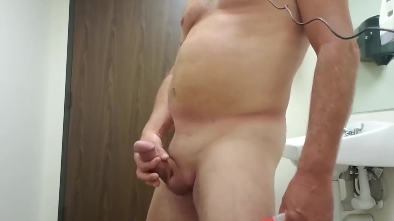 Horny, Strip Naked, Watching Porn in the Company Bathroom How do say i miss you in spanish