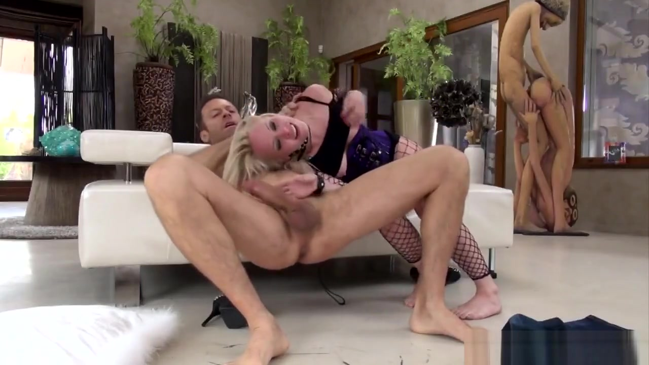 Hot Blonde Gets Fucked Hard By Italian Dude Small ass assholes blowjob cock and facial