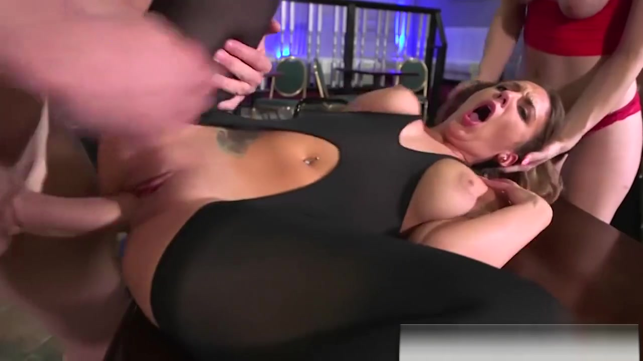 Realitykings - Money Talks - Jmac, Layla Lond fisting women on there period