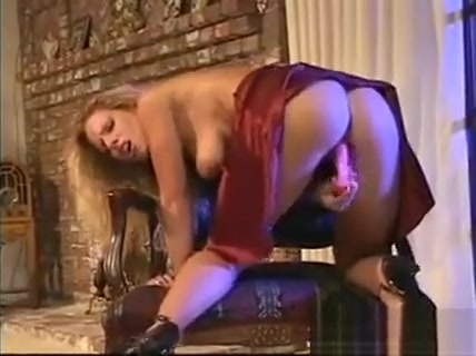 Blonde Babe Masturbating